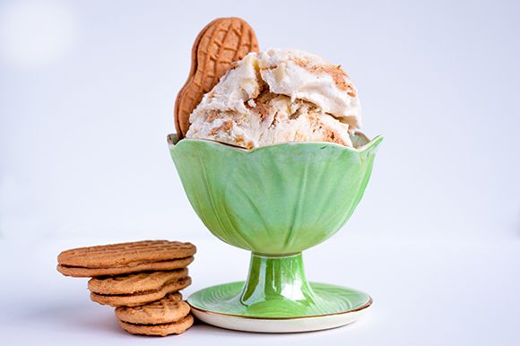 white chocolate nutter butter ice cream
